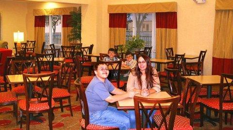 фото Hampton Inn & Suites Cape Coral 488285258