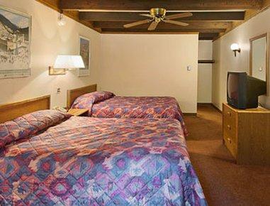 фото Super 8 Motel Georgetown 488288207