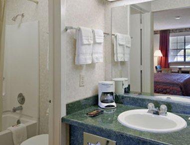 фото Super 8 Motel - Canton 488290678