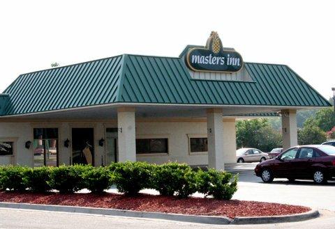 фото Masters Inn - Savannah Garden City 488291936