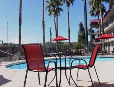 фото Ramada Tempe at Arizona Mills Mall 488292165