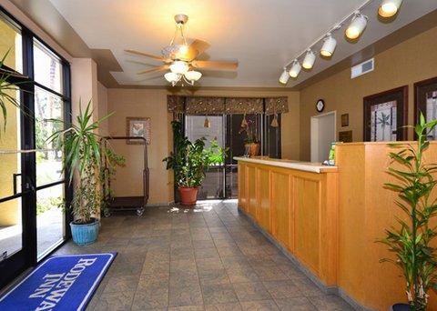 фото Rodeway Inn and Suites Bakersfield 488293770