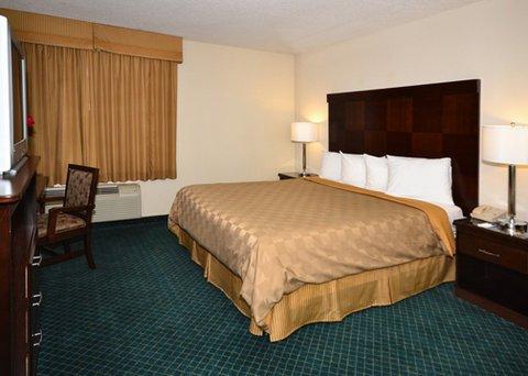 фото Rodeway Inn and Suites Bakersfield 488293771