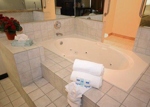фото Rodeway Inn and Suites Bakersfield 488293775