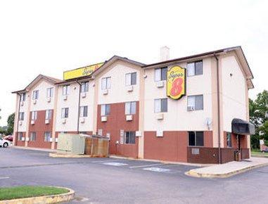 фото Super 8 Chester/Richmond Area 488294140