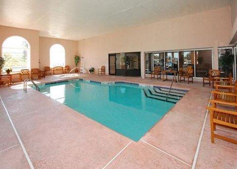 фото Clarion Hotel Buffalo Airport 488294938