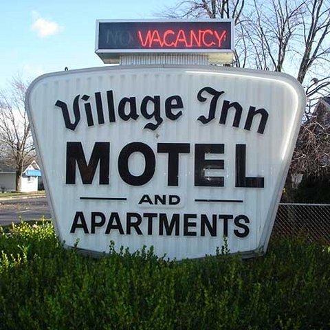 фото Village Inn Motel Holt 488295257