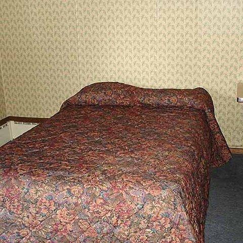 фото Village Inn Motel Holt 488295260