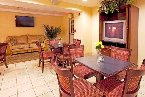 фото Holiday Inn Express Braselton 488295362