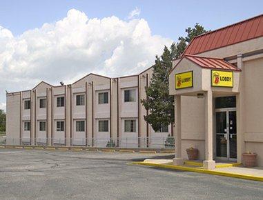 фото Super 8 Motel - Colorado Sprs/South/Circle Dr. 488297178