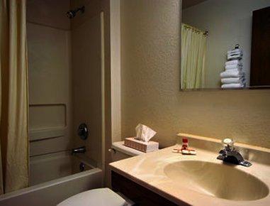 фото Super 8 Motel - Delmont 488297648