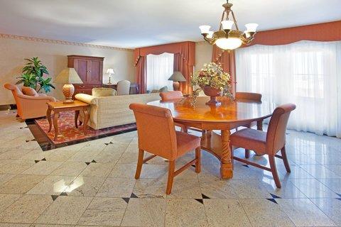 фото Holiday Inn Express Hotel & Suites El Centro 488298737