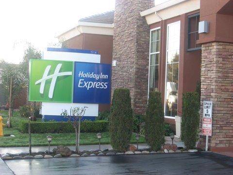 фото Holiday Inn Express- West Sacramento 488298822