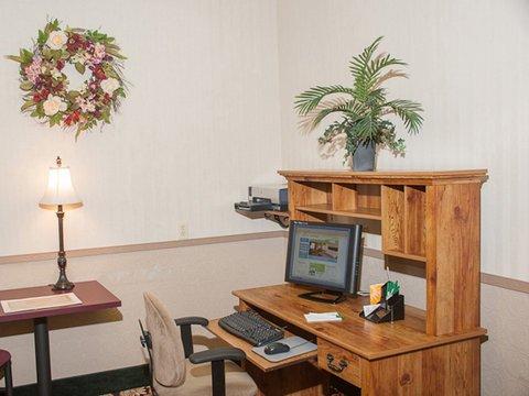 фото La Quinta Inn & Conference Center Auburn 488299296