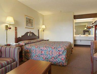 фото Super 8 Motel - Whiteville 488299372