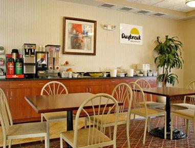 фото Days Inn Poughkeepsie 488299697