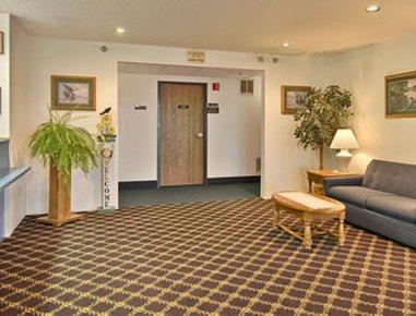фото Super 8 Motel - Grayling 488300404