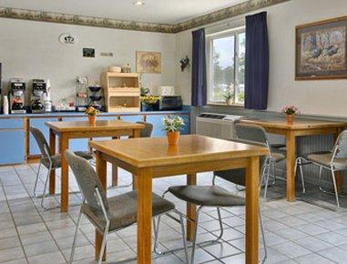 фото Super 8 Motel - Grayling 488300405