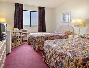 фото Super 8 Motel - Bethany 488302458