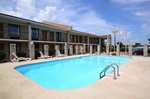 фото Econo Lodge Inn & Suites Kenly 488302805