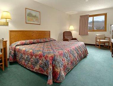 фото Super 8 Motel - Gardiner/Yellowstone Park Area 488306267