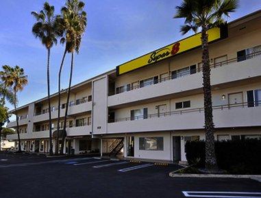 фото Super 8 Santa Barbara/Goleta 488307720