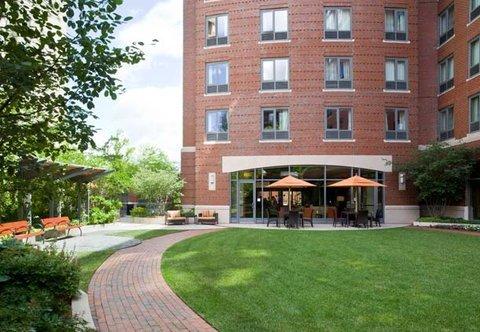 фото Courtyard by Marriott Boston Brookline 488308288