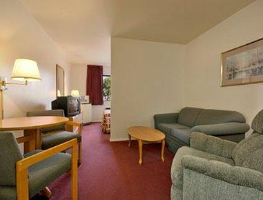 фото Super 8 Motel Farmington 488308484