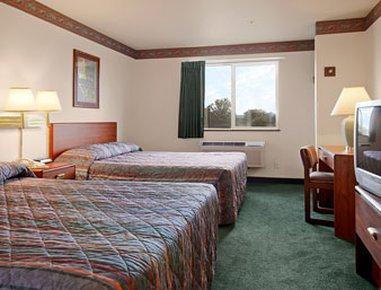 фото Super 8 Motel Windsor 488312994
