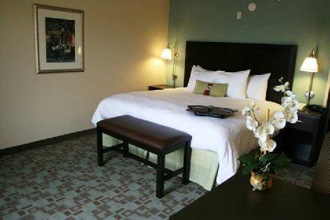 фото Hampton Inn and Suites Savannah-Airport 488316087