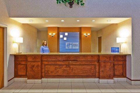 фото Holiday Inn Express Meridian 488317216