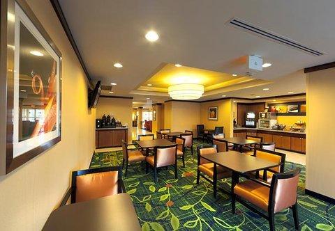 фото Fairfield Inn By Marriott Lexington Park Hotel 488318995