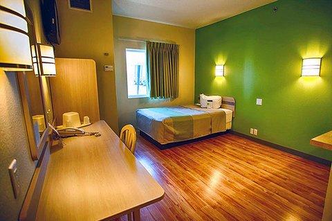 фото Motel 6 Saint Robert 488320844