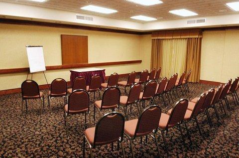фото Holiday Inn Express Fort Wayne 488321864
