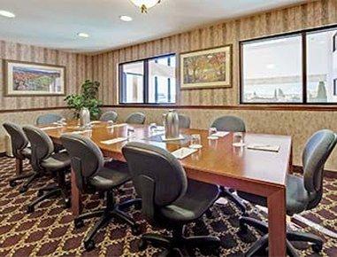 фото Hawthorn Suites by Wyndham Napa Valley 488328088