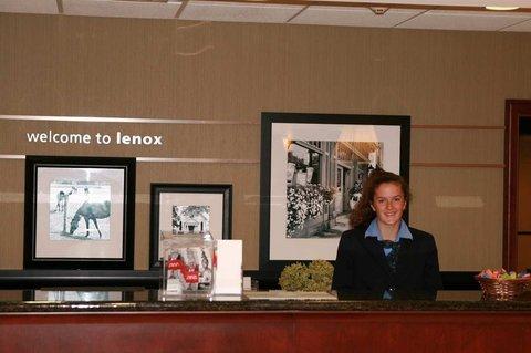 фото Hampton Inn & Suites Berkshires-Lenox 488329073