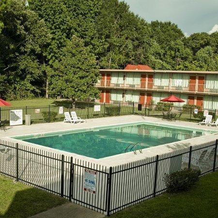фото Express Inn & Suites 488331769