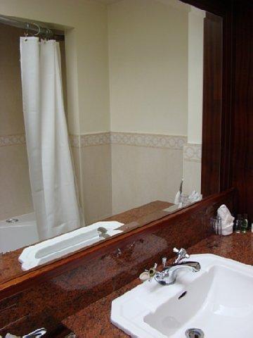 фото Wynns Hotel 488332306