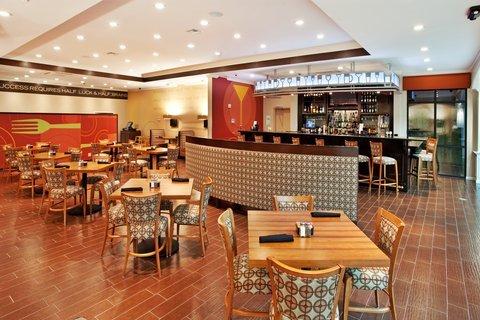 фото Holiday Inn Hotel & Suites Lake Charles South 488332378