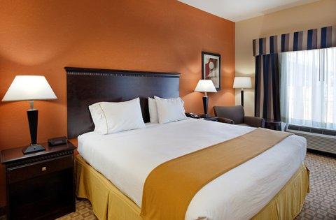 фото Holiday Inn Express Hotel & Suites Talladega 488332921
