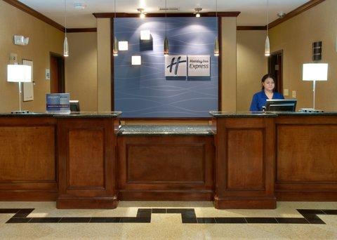 фото Holiday Inn Express Sealy 488333242