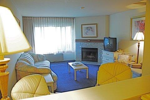 фото The Monarch Resort 488336658