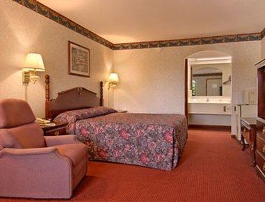фото Super 8 Motel - Clarksville/ Governor`s Square Mall Area 488340481