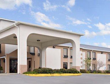 фото Days Inn and Suites New Iberia 488341029