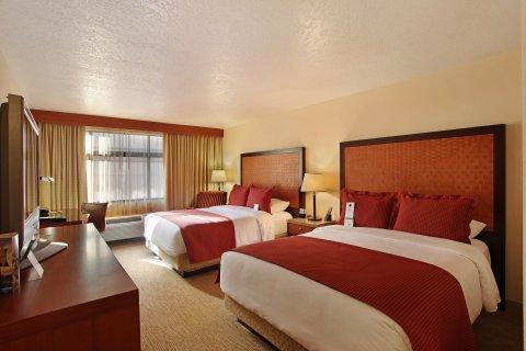 фото The Paramount Hotel 488341848