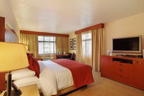 фото The Paramount Hotel 488341851