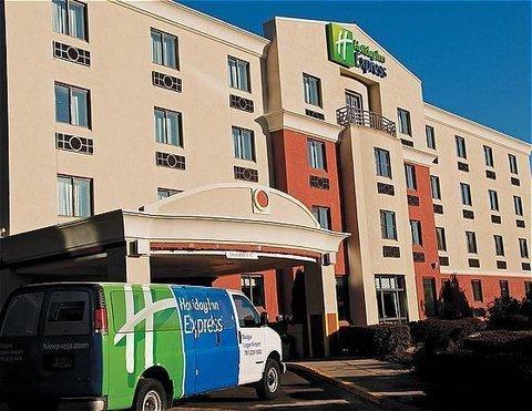 фото Holiday Inn Express Boston North Saugus 488344177