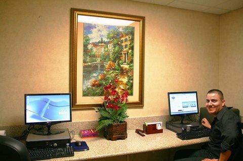 фото Hampton Inn & Suites Colton/San Bernardino 488344681