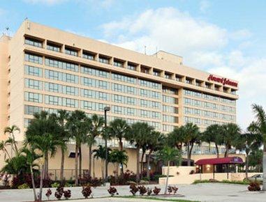 фото Howard Johnson Plaza Hotel Hialeah Gardens 488347560