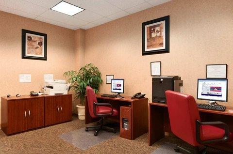 фото Hilton Scranton & Conference Center 488347687